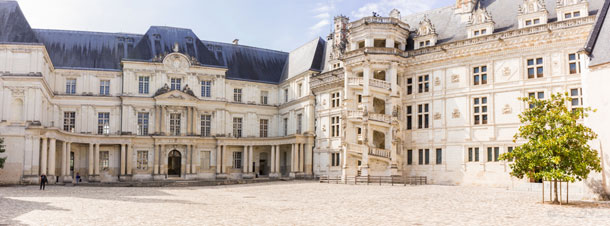 Panorama-Cour-Chateau-Blois