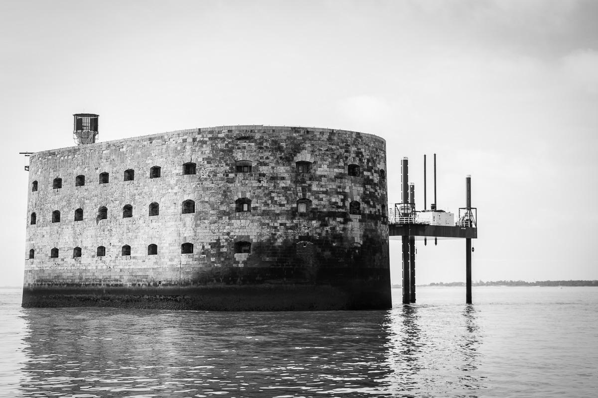 Fort Boyard en noir et blanc