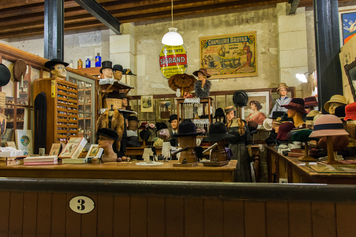 la chapellerie-Musée commerces autrefois by ArnaudDPhotography