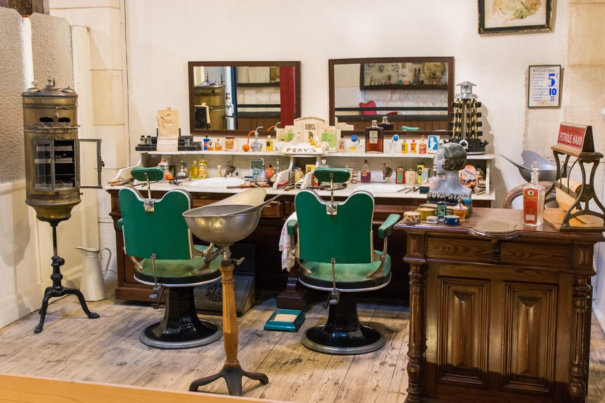 salon coiffure-Musée commerces autrefois by ArnaudDPhotography