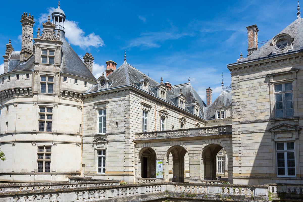 Vue latérale du Chateau du Lude