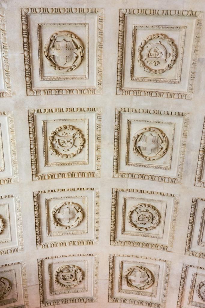plafond du vestibule du chateau du Lude