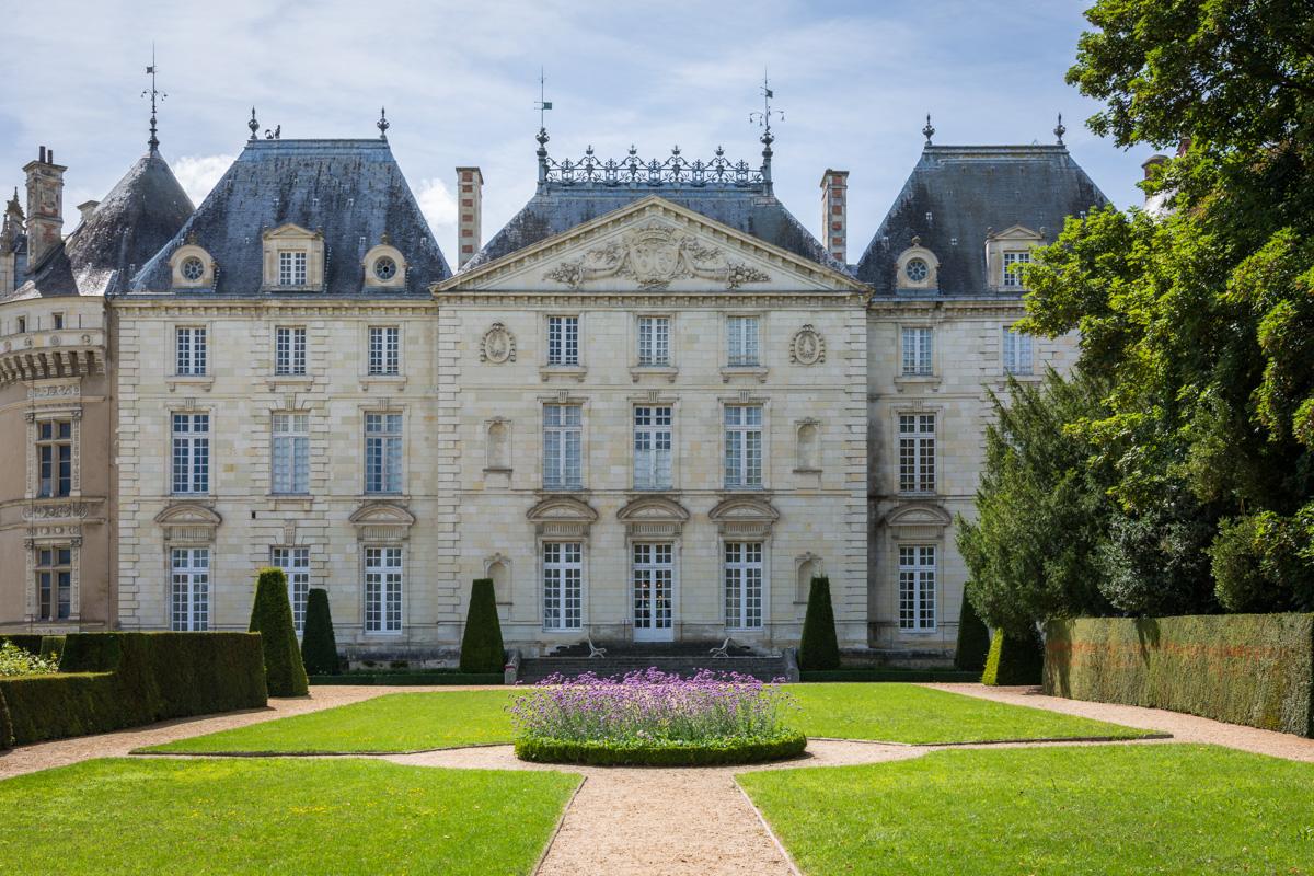 chateau du Lude vue de la roseraie