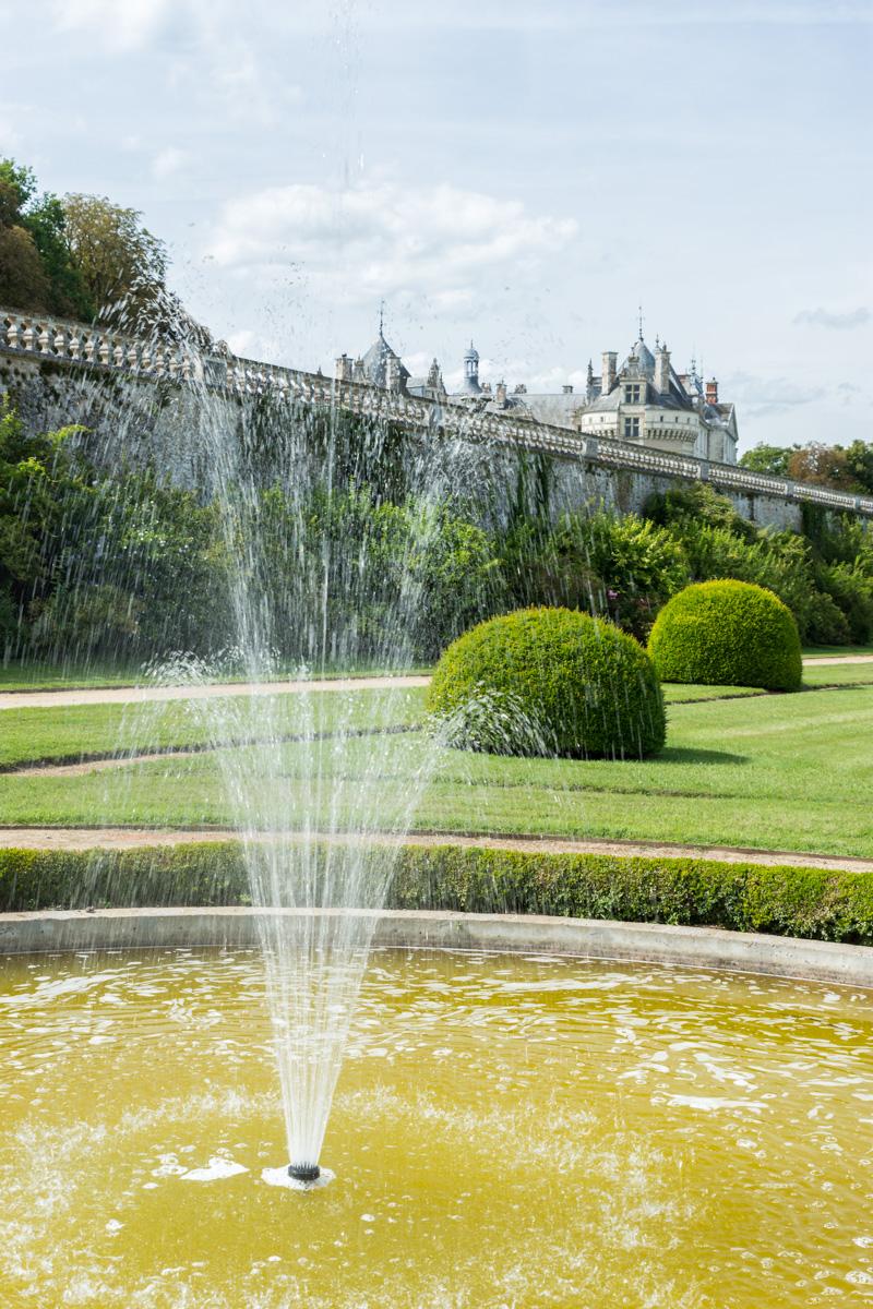 fontaine jardin bas du chateau du Lude