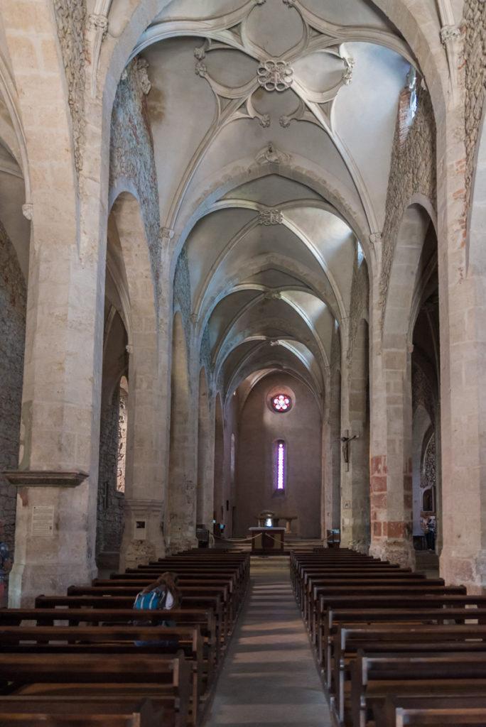 Pérouges-Nef église forteresse