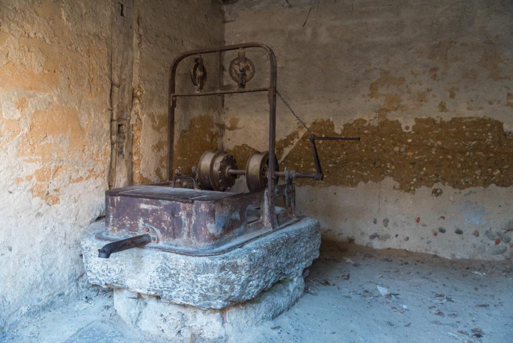 Pérouges-puits de l'ancien fort