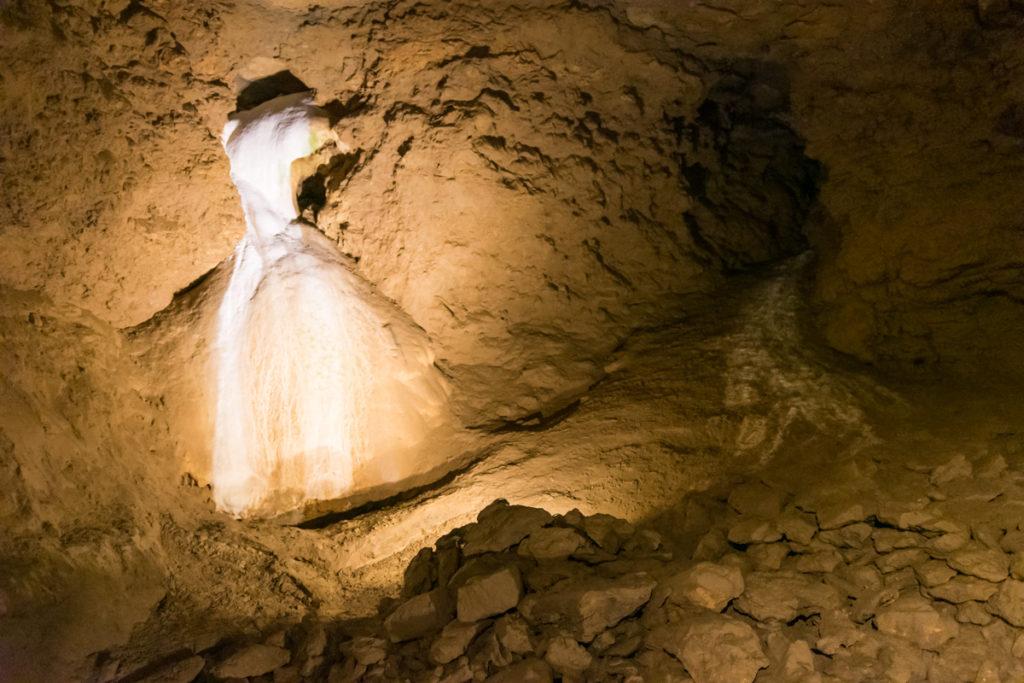 grottes de la balme-voile mariée