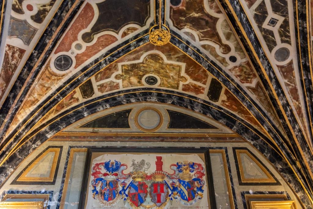 Chateau Ussé-salle des gardes-plafond