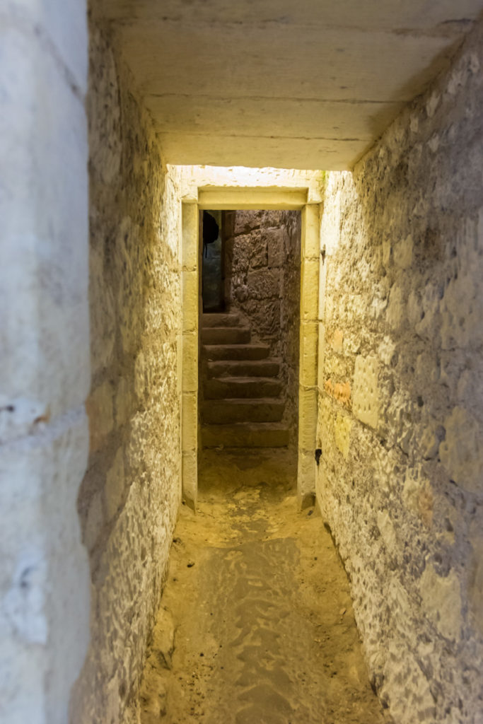 Chateau Ussé-souterrains-entrée