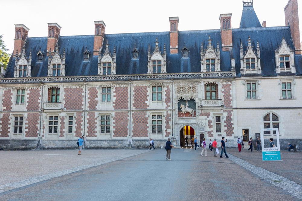 Facade-du-chateau-de-Blois